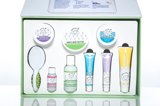 05essentials-skincare-kit_inside-tray-and-card-pocket